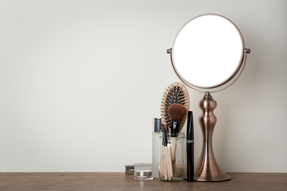 What is a Concave Mirror?