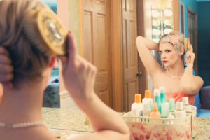 Hands-Free Mirror to See Back of Hair